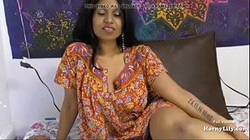 हॉर्नी लिली माँ बेटा हिंदी टॉक सेक्सी सोलो मास्टर्बेट
